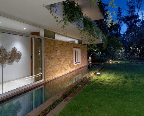 8 mẫu tường xanh sân vườn đẹp