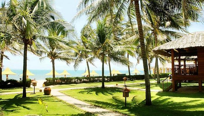 thiet-ke-san-vuon-resort-ven-bien