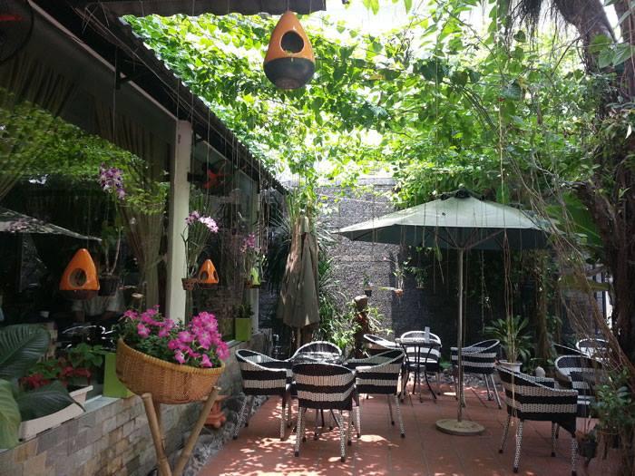 Thiết kế quán cafe sân vườn diện tích nhỏ thu hút
