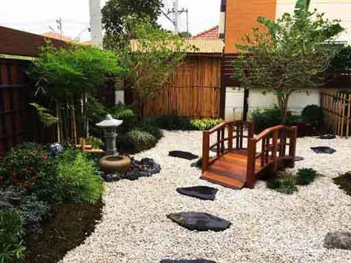 Sân vườn nhà cấp 4 phong cách Nhật Bản là sự kết hợp hài hòa giữa kiến trúc và tiểu cảnh sân vườn.