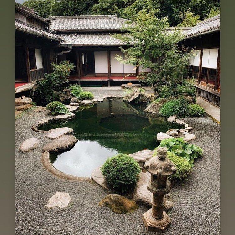 Hồ koi là điểm nhấn của tổng thể kiến trúc nhà